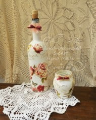 butilka-za-vino-vazichka-romantichni-rozi-dekupaj
