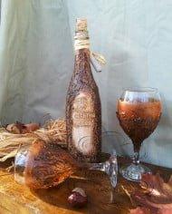 komplekt-butilka-i-chashi-za-vino-rychno-izraboteni-lov