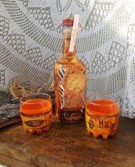 chashi-i-butilka-s-afrikanski-motivi-za-uiski