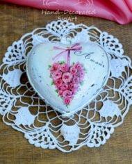 kutijka-s-rozi-dekupaj-porcelanova