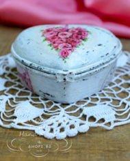 malka-porcelanova-kutijka-s-forma-na-syrce
